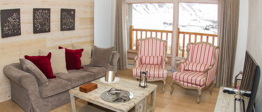france_espace-killy-ski-area_tignes_chalet-marlene_living-area3.jpg